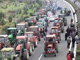 Δυναμώνουν τα μπλόκα των αγροτών στη Δυτική Ελλάδα - Δείτε που κλείνουν και ποιες ώρες οι δρόμοι
