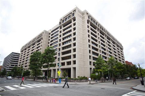 Οι «επιταγές» του ΔΝΤ για το χρέος και την αξιολόγηση