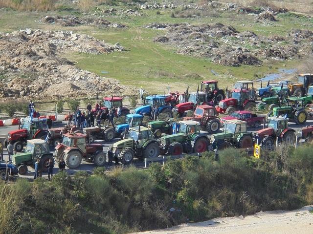 """""""Μπλοκάρουν"""" σήμερα την Αντιρρίου-Ιωαννίνων οι αγρότες της Αιτωλοακαρνανίας"""