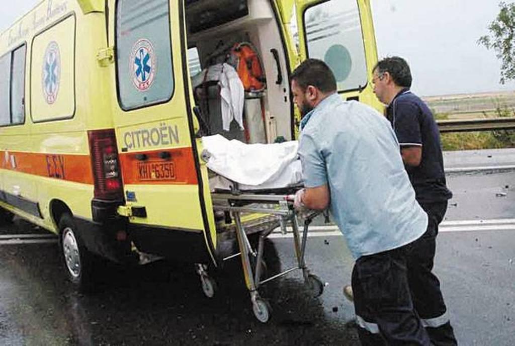 Πατρών-Πύργου: ΙΧ αυτοκίνητο καρφώθηκε σε τρακτέρ