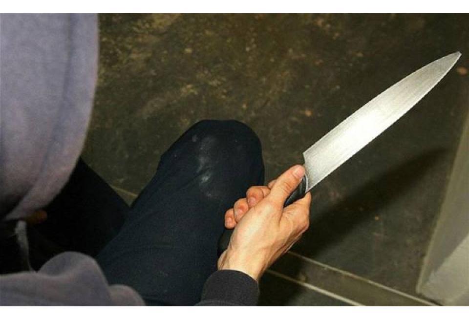 Πάτρα: Την είχαν απειλήσει με μαχαίρι για το κινητό της