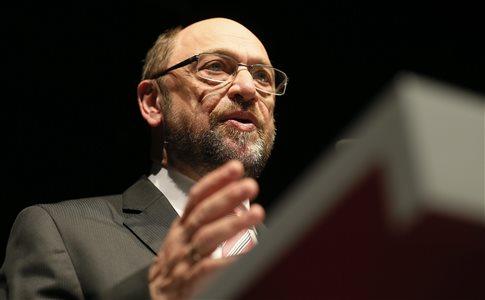 «Καλπάζουν» δημοσκοπικά οι Σοσιαλδημοκράτες με τον Μάρτιν Σουλτς