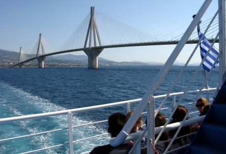 Ενισχύεται με 3 πλοία το Ρίο-Αντίρριο