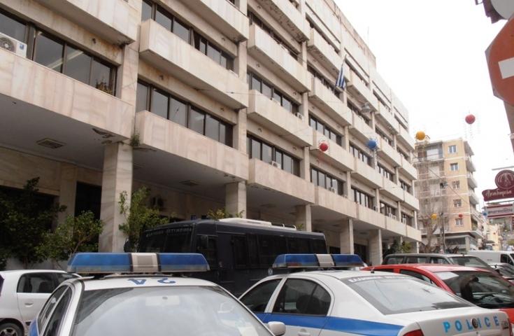 Πάτρα: Χαστούκισε τον δάσκαλο του παιδιού του και τον αναζητά η αστυνομία