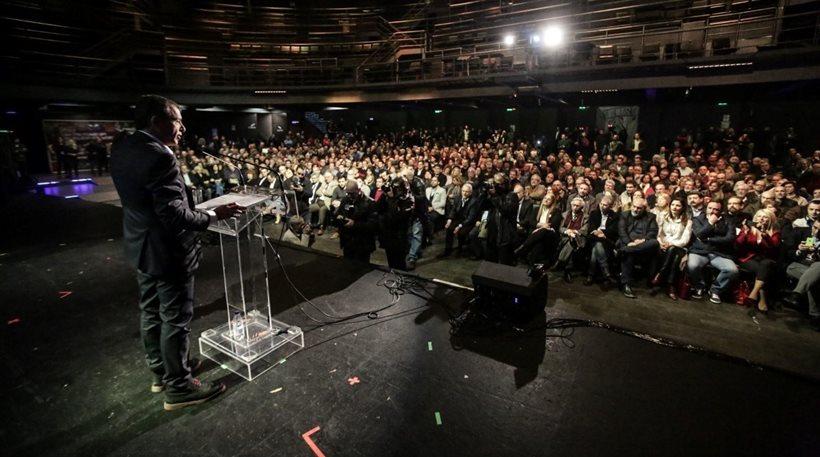 Θεοδωράκης: Οι εκσυγχρονιστές πρέπει να πάψουν να κρύβονται!