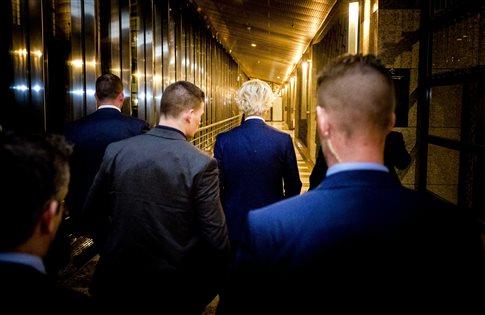 Οι Ολλανδοί σταμάτησαν τον λαϊκισμό και ο Ρούτε ψάχνει κυβέρνηση