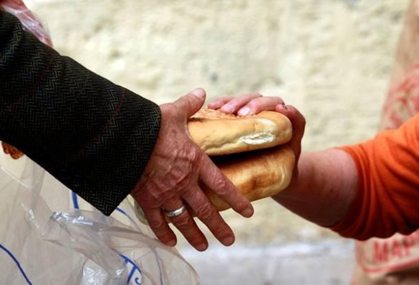 Στην… πείνα δεκάδες οικογένειες της Ναυπάκτου