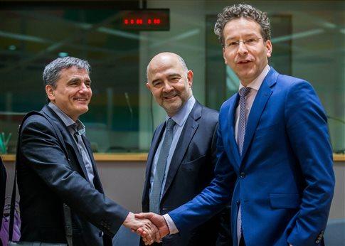 «Θετική αύρα» στο Eurogroup για επιστροφή των θεσμών