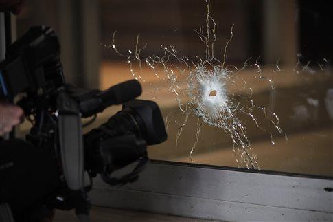 Γνωστός στις γαλλικές αρχές ο δράστης της αιματηρής επίθεσης στο Παρίσι
