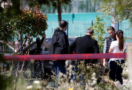 Τα παιδιά ούρλιαζαν και μπήκαν στο σχολείο - Σοκ από τη δολοφονία στα Γλυκά Νερά - ΔΕΙΤΕ ΒΙΝΤΕΟ