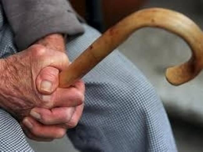 Καλάβρυτα: Εφιαλτικές στιγμές για 88χρονο - Τον λήστεψαν και τον κλείδωσαν μέσα στο σπίτι