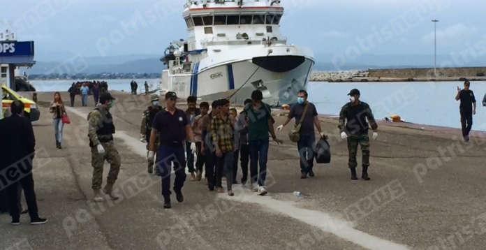 Ηλεία: Διασώθηκαν 41 μετανάστες που επέβαιναν σε ιστιοφόρο - Video & ΦΩΤΟ