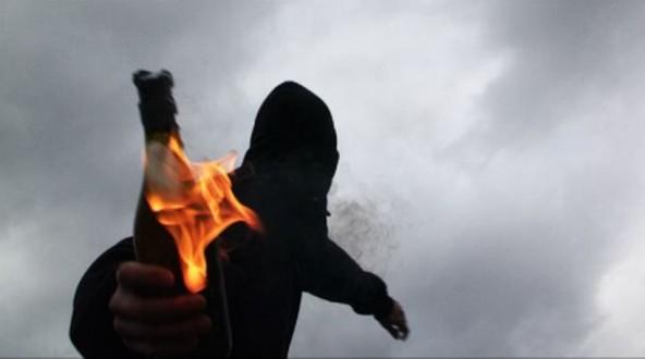 Ναύπακτος: Διαψεύδει η αστυνομία την επίθεση στο Α.Τ. με πέτρες και μολότοφ