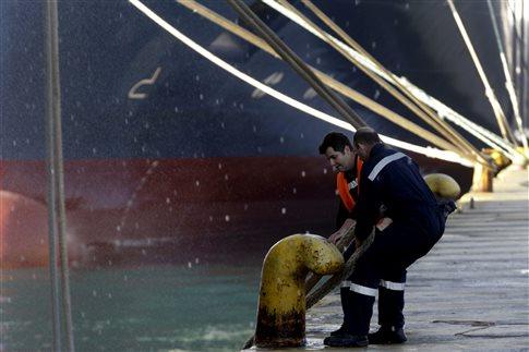 Δεμένα τα πλοία στα λιμάνια Τρίτη και Τετάρτη