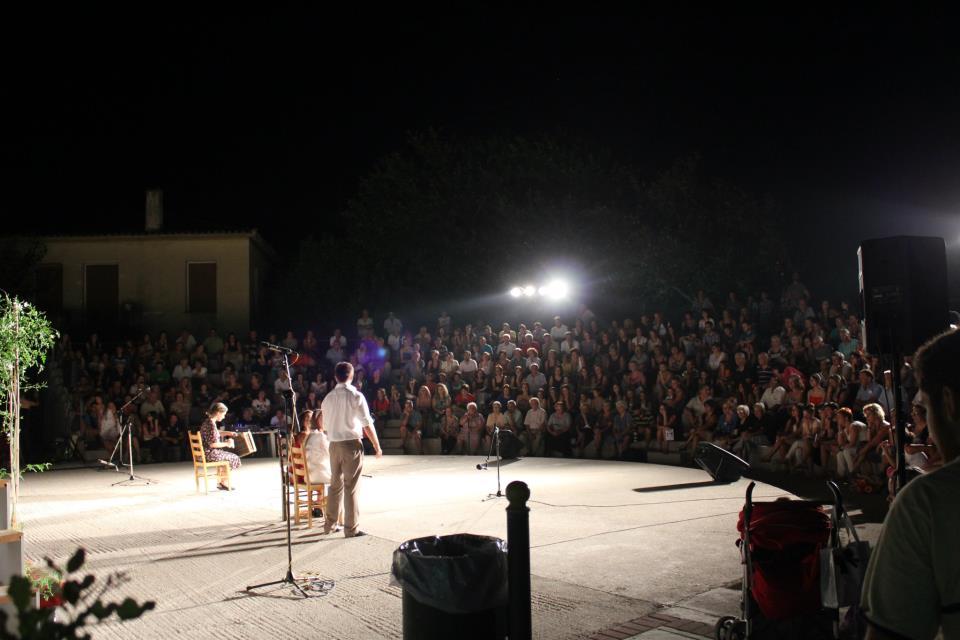 Αίγιο: Θεατρική παράσταση «BlackOut-Ένας και μισός φόνος»