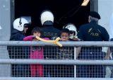 Εκκενώνεται το πρώην αεροδρόμιο στο Ελληνικό από πρόσφυγες