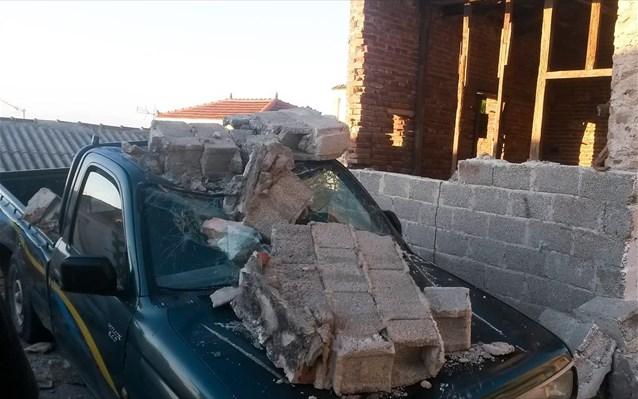 Μια γυναίκα νεκρή, 11 τραυματίες και 850 άστεγοι στη Λέσβο