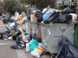 Πάτρα: Ξεχειλίζουν τα σκουπίδια στους κάδους - Δεύτερη ημέρα κινητοποίησης στην Ξερόλακκα από τους εργαζόμενους του δήμου
