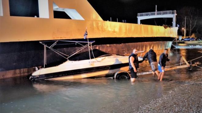 Ανεξέλεγκτο Φέρι Μπότ στο Ρίο Κόπηκαν οι κάβοι του – Παρέσυρε 15 σκάφη - ΔΕΙΤΕ ΦΩΤΟ