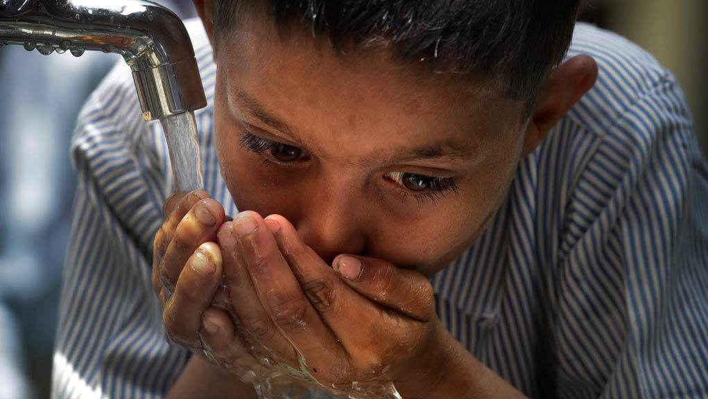 Χωρίς πρόσβαση σε πόσιμο νερό στο σπίτι 2,1 δισεκατομμύρια άνθρωποι