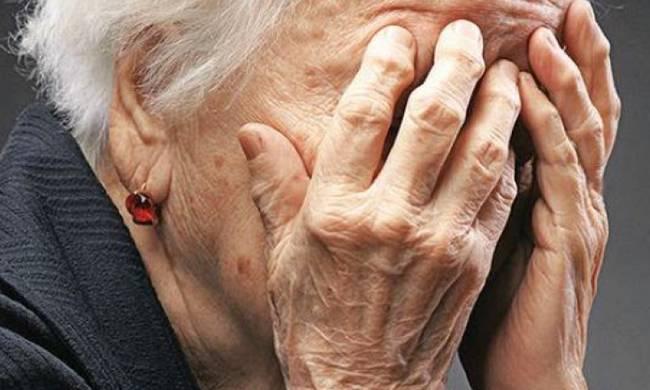 Αχαϊα: Άρπαξαν από 80χρονη τσαντάκι με 5.000 ευρώ
