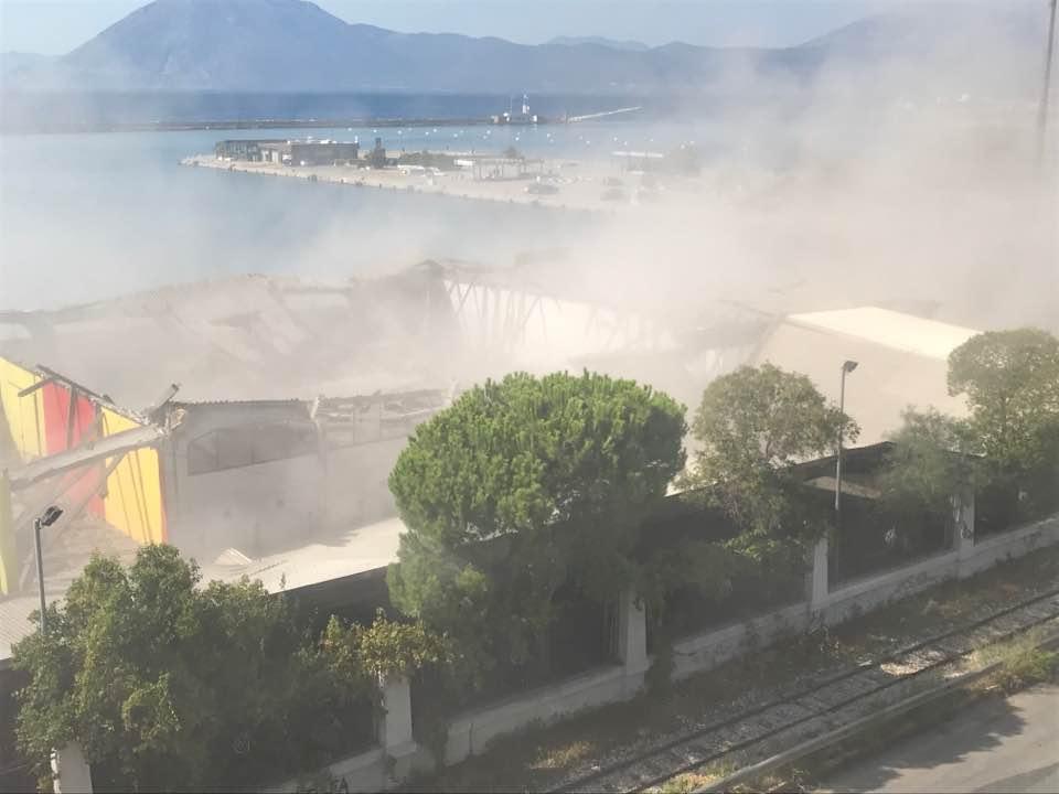 ΔΕΙΤΕ ΤΟ ΡΕΠΟΡΤΑΖ - Πάτρα: Τραγωδία με έναν νεκρό στο παλιό λιμάνι - Κατέρρευσε η οροφή από τα παλιά κρατητήρια