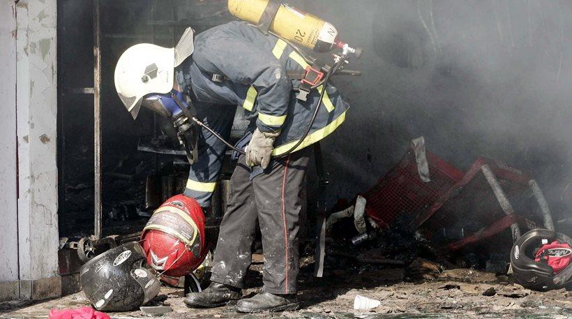 Πάτρα: Τον πυρομανή που βάζει φωτιές σε οχήματα αναζητούν οι αρχές