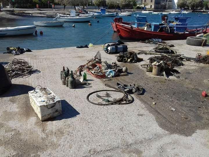 Αχαϊα: «Θησαυρός» σκουπιδιών στη θάλασσα στον Ψαθόπυργο