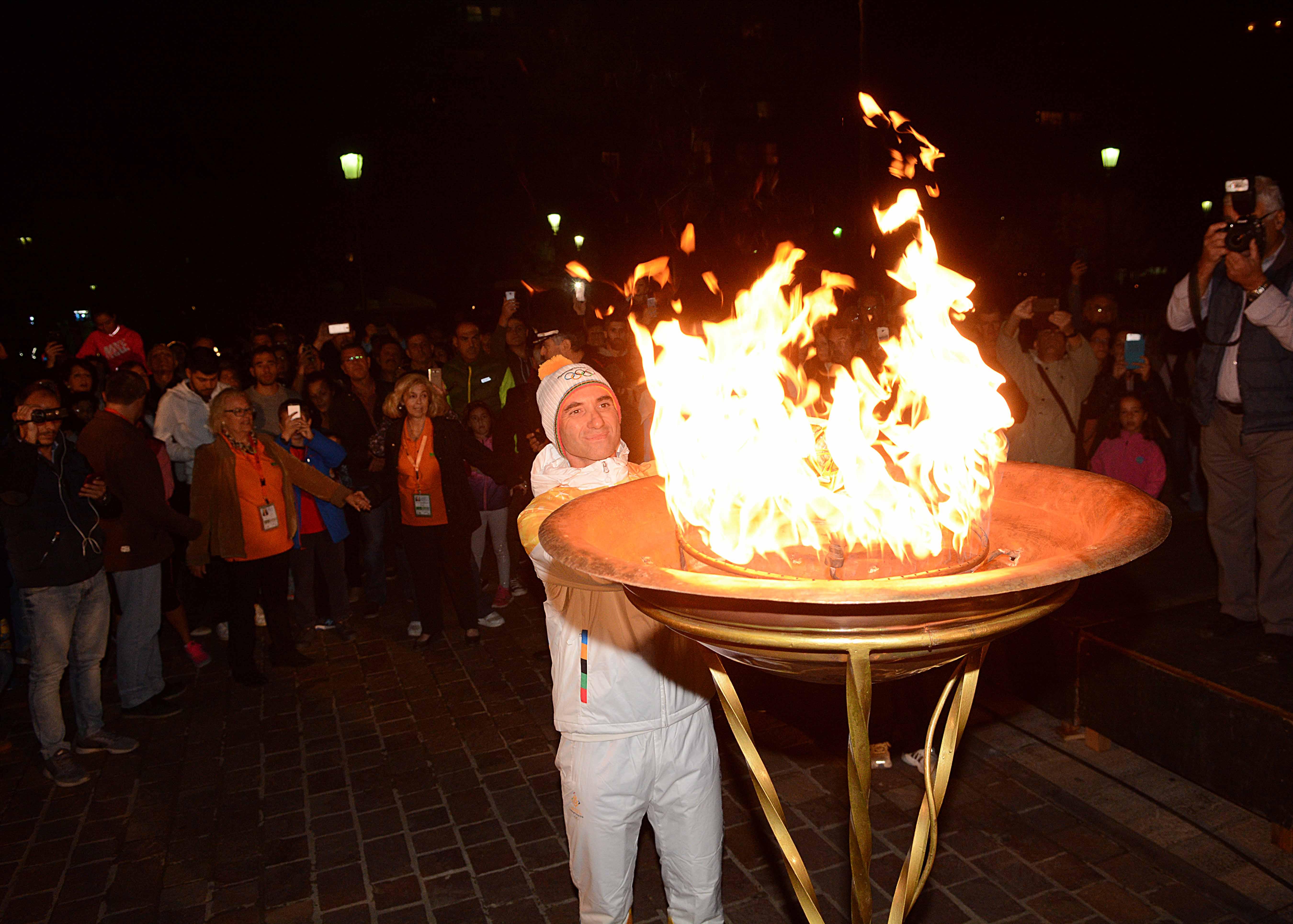 Πέρασε από Πάτρα και Ναύπακτο η Ολυμπιακή Φλόγα